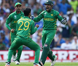 Trounces India ... Champion's Trophy to Pakistan!