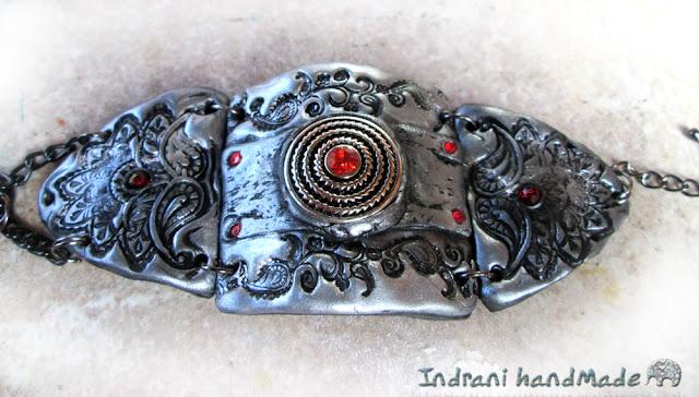http://www.crafty.ro/produse/213283-bratara-cu-indie-cu-margelute-rosii