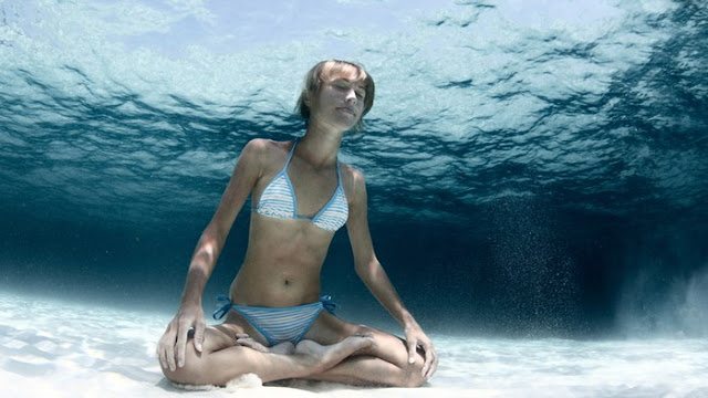 Scientists Create Material That Could Allow Us to Breathe Underwater Without Oxygen Tanks