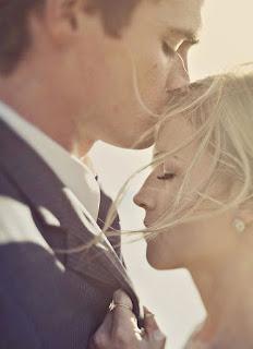 صور لحظات زوجين لالتقاط في حفل الزفاف الخاص بك