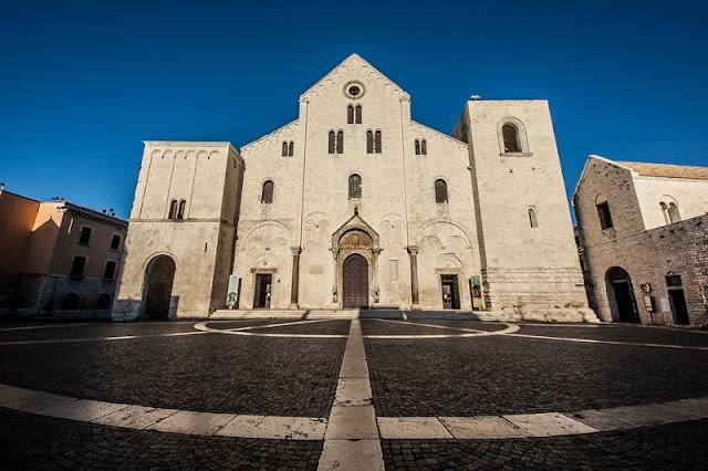 Basílica San Nicola em Bari na Itália