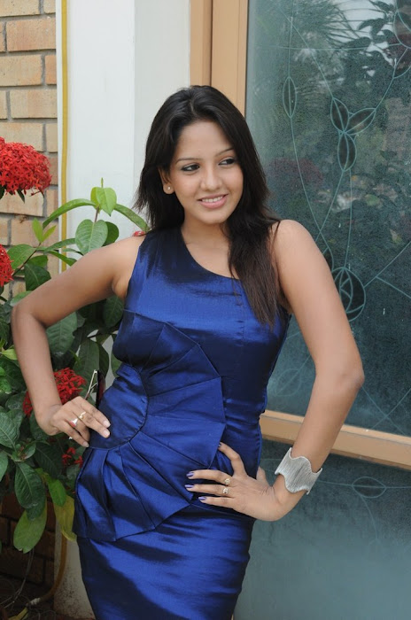 pavani reddy photo gallery