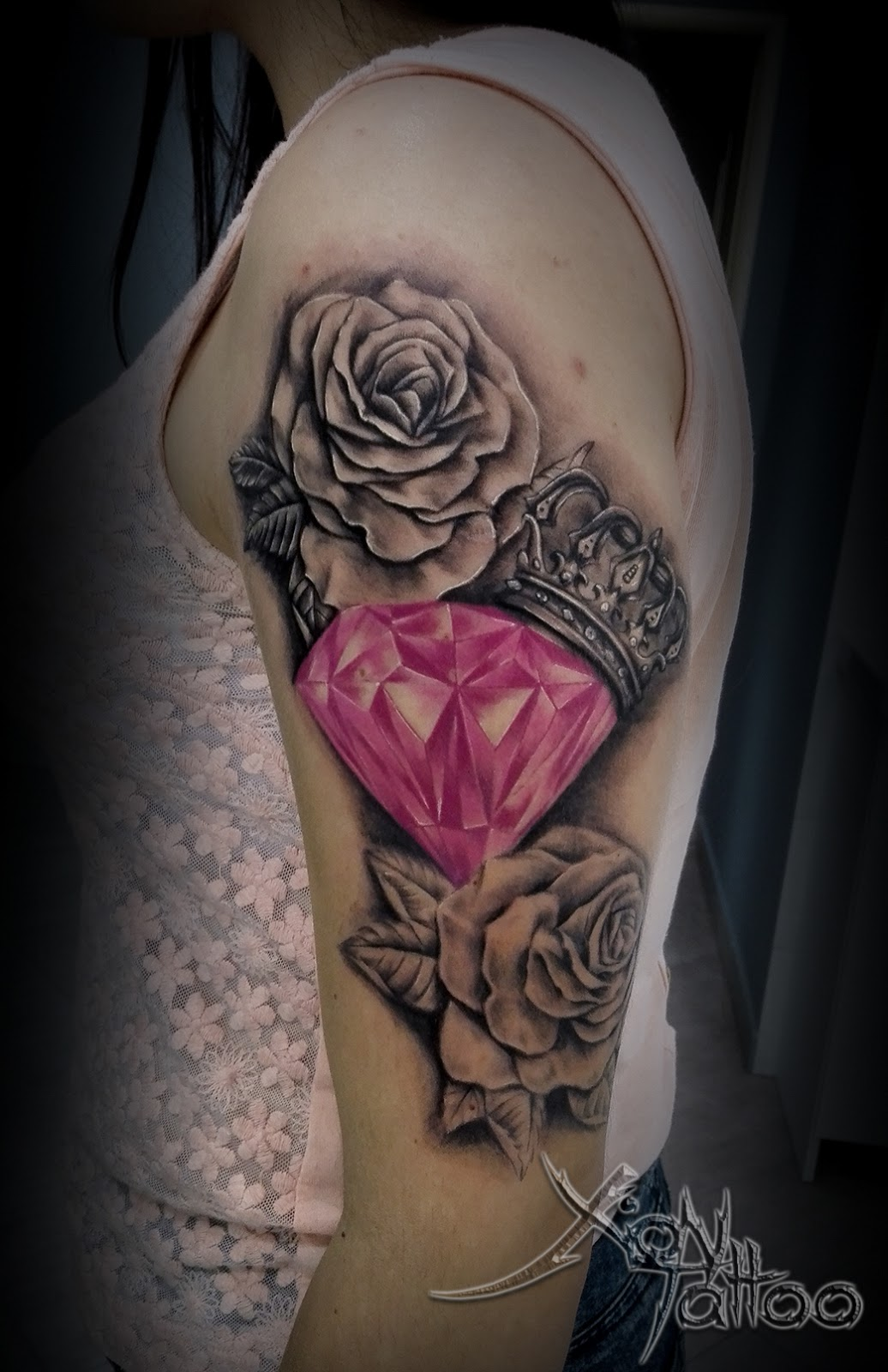 Royal Diamond Roses Tattoo Dark Templar Tattoo Studio Tatuażu