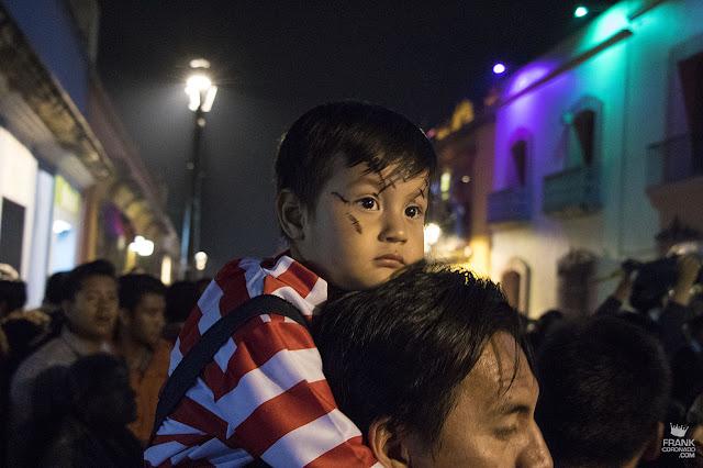 niño en el día de muertos en Oaxaca