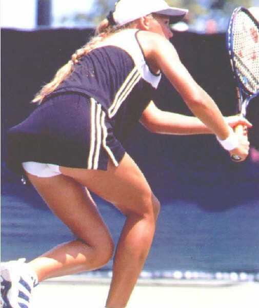 Anna kournikova tennis upskirt