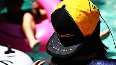 3. Gorra para recarga de celular a través del sol