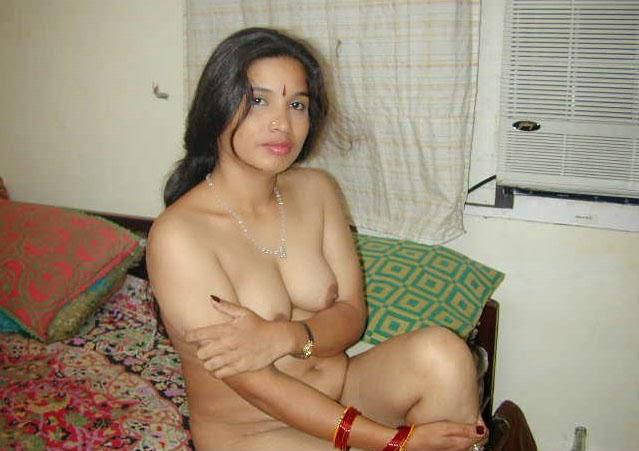 Delhi Shy Desi Girl sharmila Strips Dress And Shows Bigboobs nice ass
