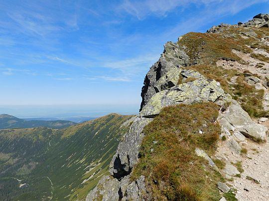 Grań grzbietowa biegnąca na szczyt Rohacza Ostrego.