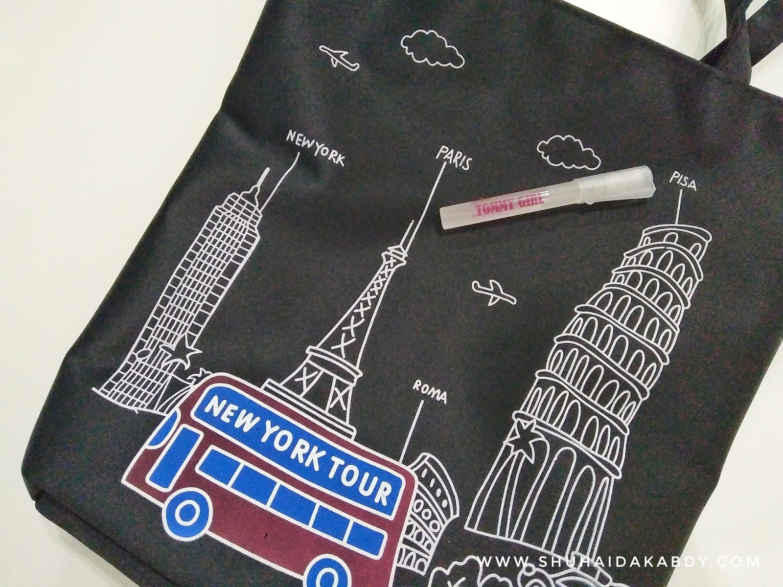 Menang Giveaway Travel Totebag By Ana Suhana
