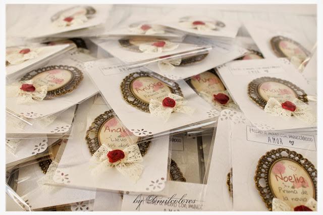 broches y packaging boda