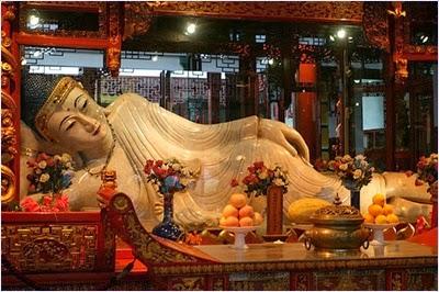 พระพุทธรูปปางปางไสยาสน์ - วัดอวี้ฝอซื่อ (Jade Buddha Temple)