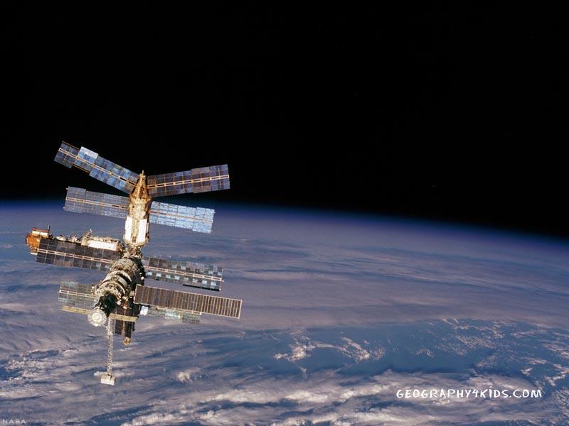 Karen bryan space station wallpaper - Space station wallpaper ...