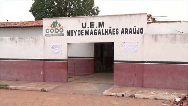 DESCASO - Obras de recuperação de escola municipal estão atrasadas em Codó