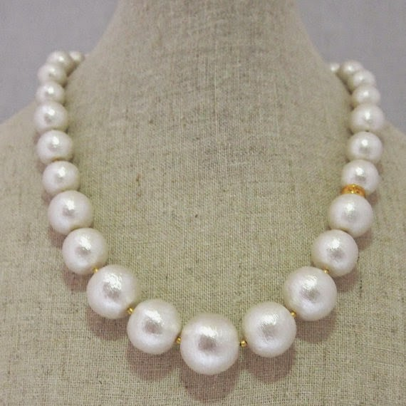 https://www.etsy.com/listing/191192344/gradation-cotton-pearl-necklace-white?ref=shop_home_active_5