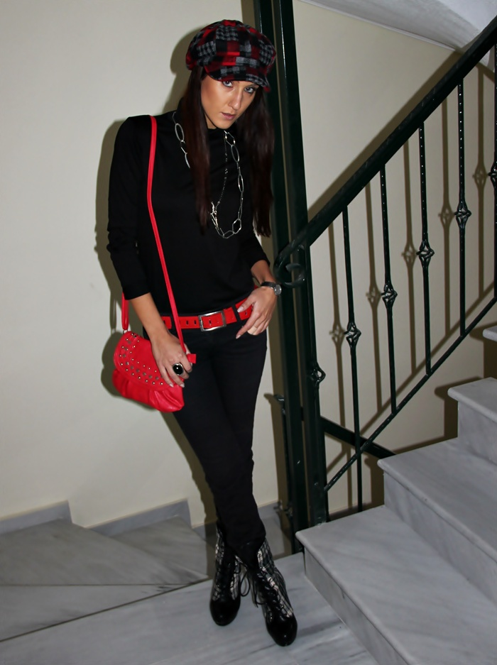 how to add red details to total black outfit, fall outfit ideas