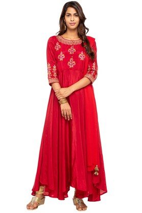 Ishin Salwar & Churidar Suits with 70% off