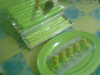 Resep Mini Roll Pandan Kukus - Roti Pandan Kukus roti kukus pandan recipe (resepi roti pandan kukus) resep roti kukus pandan ijo sederhana paling enak resep membuat roti kukus pandan cara membuat roti kukus pandan