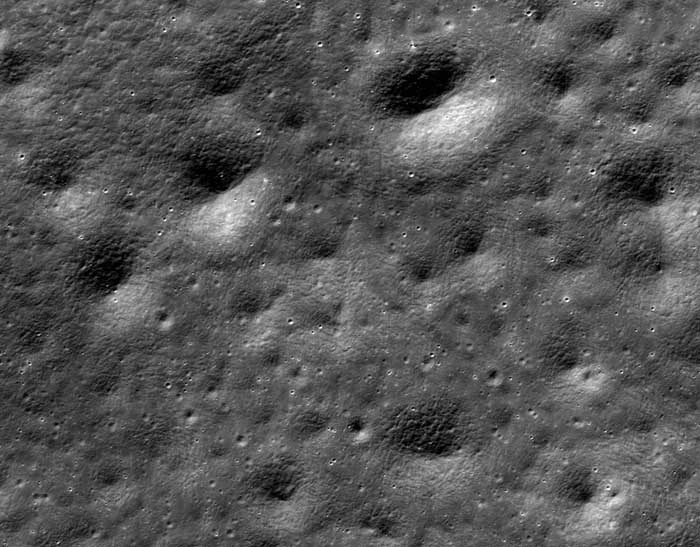 Interesting regolith texture on far side of Moon