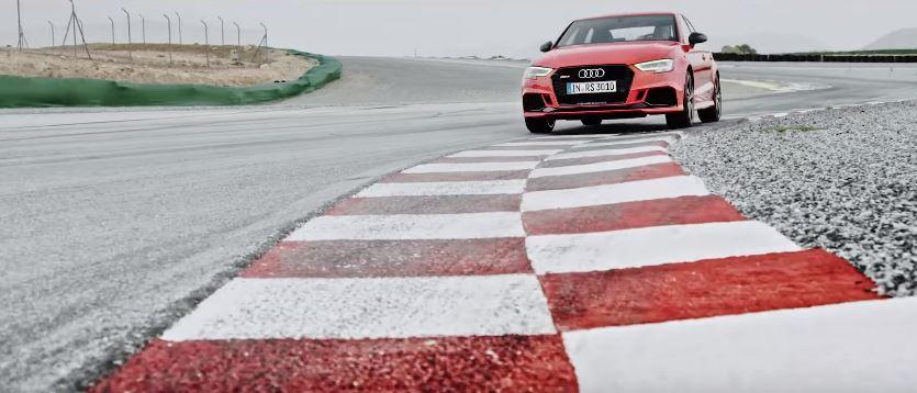 Canzone  Audi RS 3 Sedan  con macchina rossa su pista Pubblicità | Musica spot Ottobre 2016