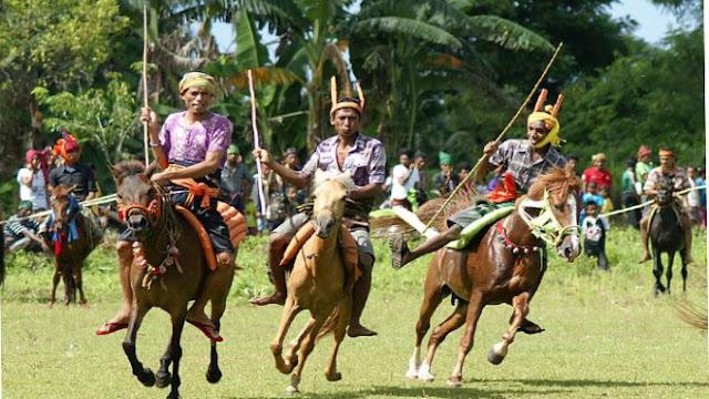 5 Upacara Tradisional Di Indonesia Yang Masih Di selengarakan Tentunya Khas Dan Unik