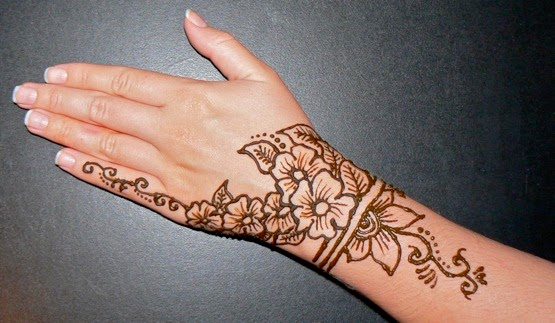Henna Flower Tattoo Designs Wrist: Simple Henna Tattoo Designs For Wrist