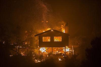 Trump declara el estado de emergencia en California debido a los incendios deborador