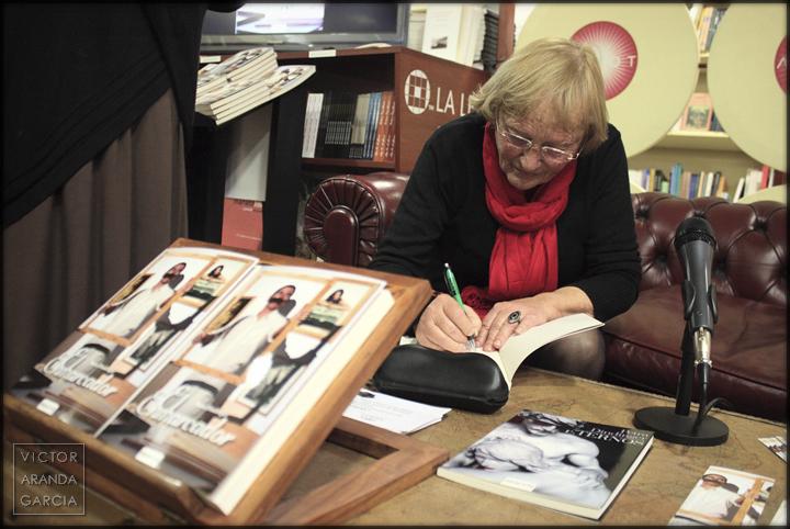 firma,libros,argot,castellon,enmarcador,novela,fotografia