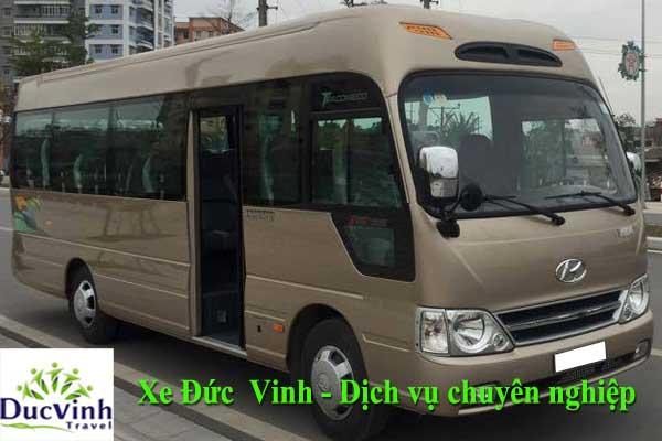 xe-29-cho-phuc-vu-quy-khach-hang-di-den-chua-dau-nam