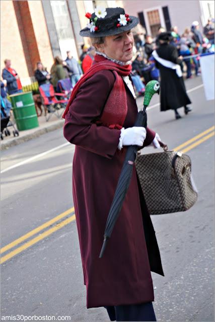 Mary Poppins en el Desfile de Acción de Gracias de Plymouth