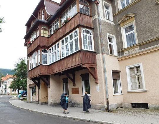 Dom, w któym mieszkał Krzysztof Kieślowski.