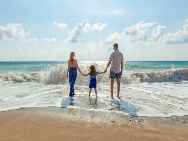 How to Save a Few Pennies on your Family Holiday