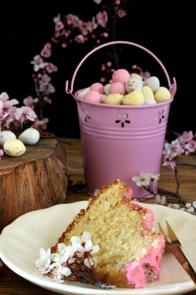 easter-bundt-cake, bizcocho-de-pascua, bizcocho-de-vainilla, easter-eggs