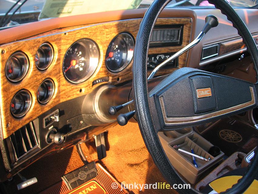 Junkyard Life Classic Cars Muscle Cars Barn Finds Hot Rods And Part News Gentleman Jim 1975 Gmc Sierra Classic Rarity