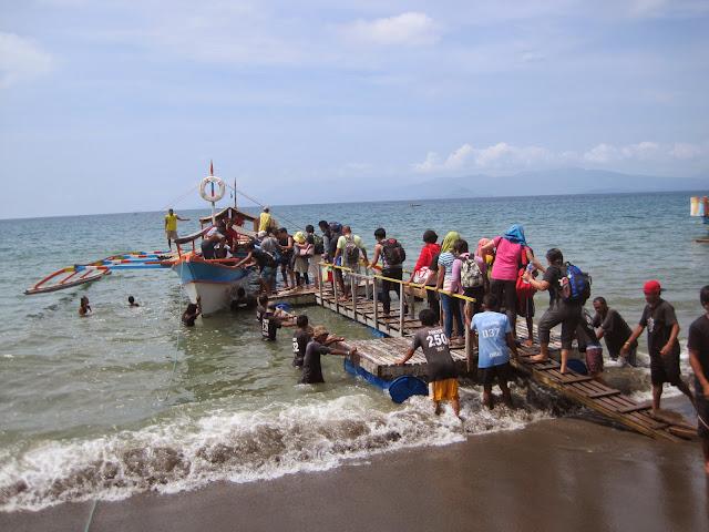 caramoan boat