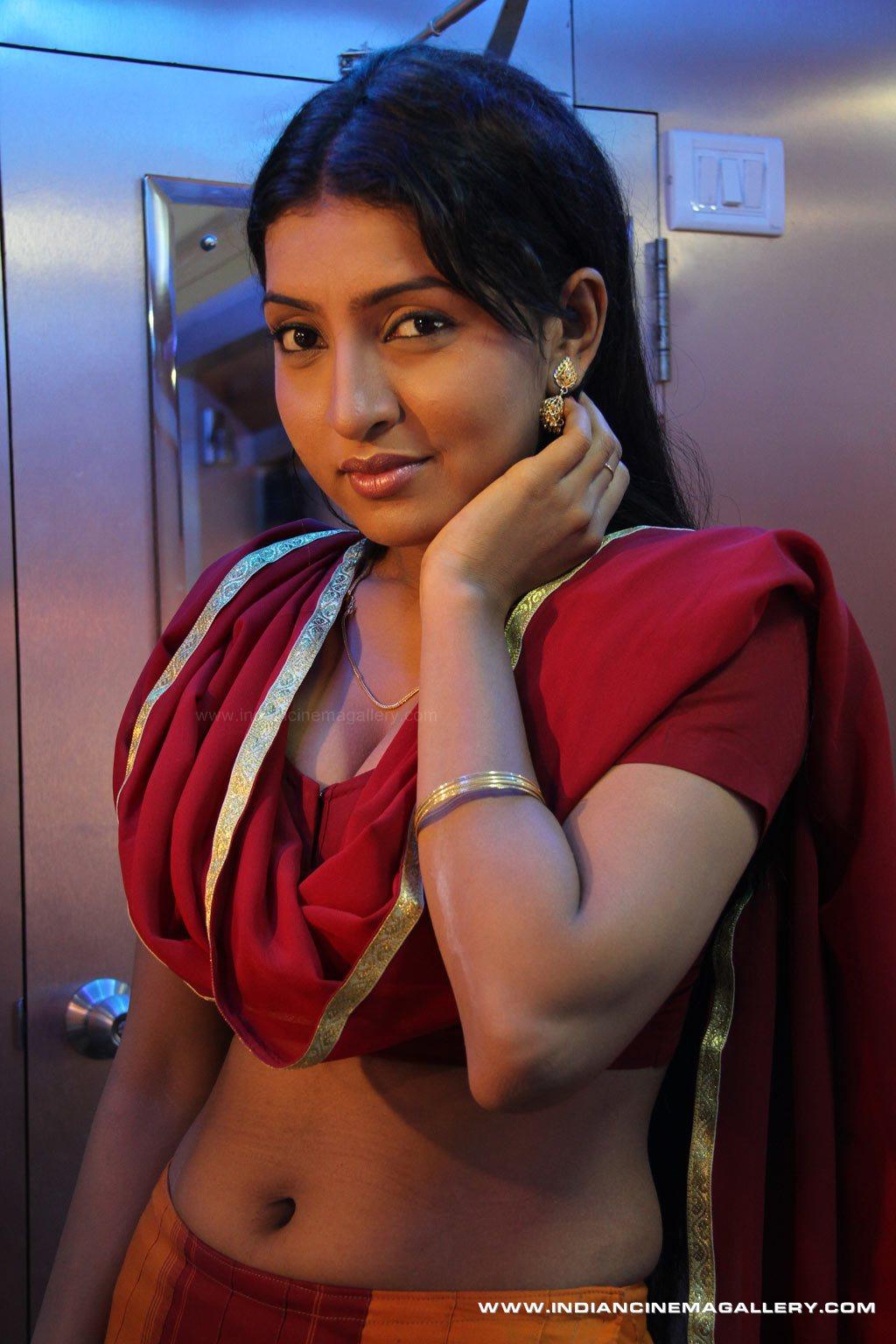 Desi Indian Bhabhi PIctures 3 - Actress