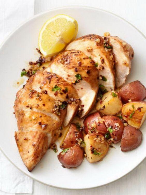Garlic Chicken And Potatoes #garlic #chicken #chickenrecipes #potatoes #tasty #tastyrecipes #deliciousrecipes #deliciousfood