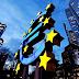 ΣΟΚ: Νέος Πρέσβης των ΗΠΑ στην ΕΕ στο BBC: «Σε 18 μήνες δεν θα υπάρχει ευρώ»