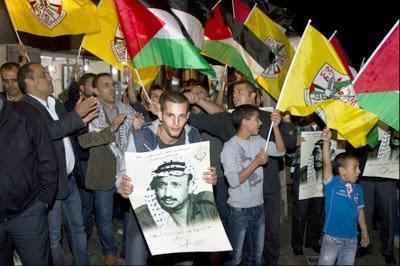 Protesto de palestinos pelo aniversário de morte de Yasser Arafat