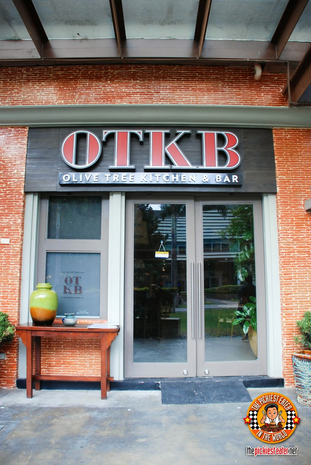 Olive Tree Kitchen Bar bonifacio high street facade