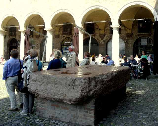 Pietra Ringadora Modena