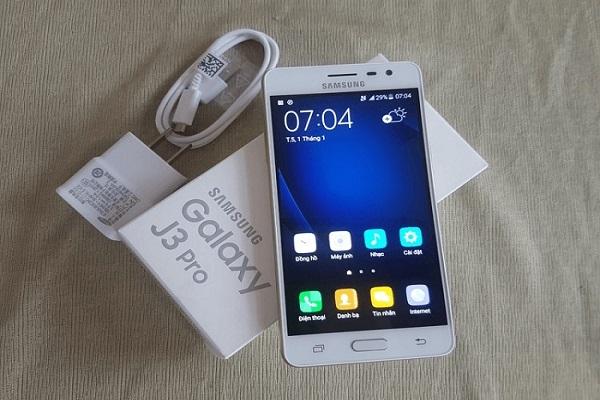 Thay vỏ Samsung galaxy J3 Pro giá rẻ tại Maxmobile