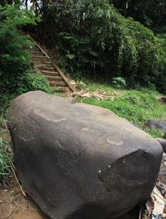 Isi Prasasti Muara Cianten Peninggalan Kerajaan Tarumanegara