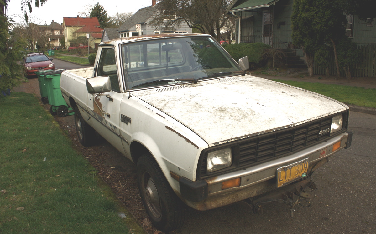 OLD PARKED CARS.: 1981 Dodge Power Ram D50 Custom 4WD.