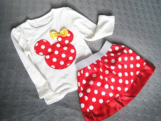 http://www.wholesalebuying.com/product/baby-girls-long-sleeve-cute-animal-pattern-tops-t-shirt-and-skirt-set-82923?utm_source=blog&utm_medium=cpc&utm_campaign=Carly1378