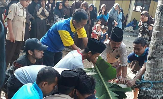 Cara Menyembelih Hewan Qurban di SMP Al Azhar Citangkolo
