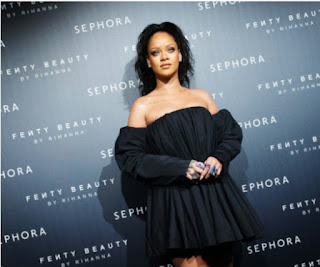 Rihanna Becomes The First Artist To Ever Earn Eight Number Ones From One Album In The History of Billboard