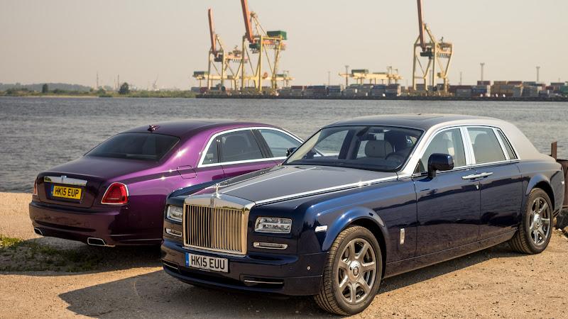 2 Rolls-Royce Ghost