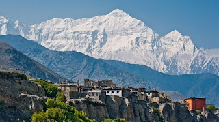 Nepal is pure Himalayan country. Mount Everest, Annapurna and Fishtail are here.