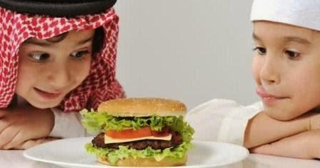 makanan pantangan yang harus dihindari saat puasa