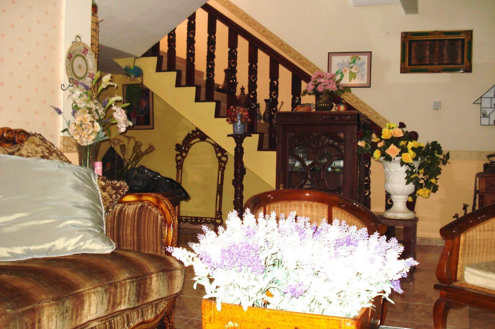 Masa Makin Suntuk Tuk Membersihkan Rumah Dan Segala Yang Ada Di Dalamnya Tahun Ini Tiada Perabot Baru Dibeli Kerana Ruang Dah Penuh Sesak